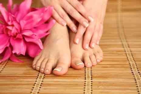 Astute Aesthetics - Laser fungal nail treatment on a hand or foot - Save 89%