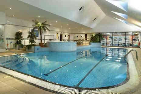 Hilton East Midlands Airport - Leisure access pass with sparkling afternoon tea for two - Save 34%