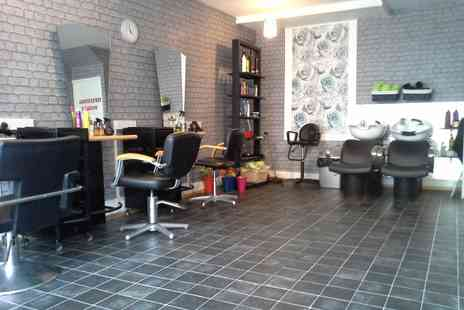 Hairdressing Station - Full Head Highlights with Haircut and Blow Dry - Save 15%