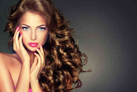 B Blushed - Beauty package including gel polish on fingers, eye trio and a cut and blow dry - Save 61%