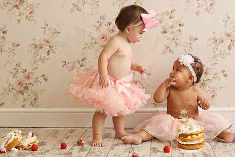 Icon Photography Studios - Baby Cake Smash Photoshoot with Prints - Save 89%