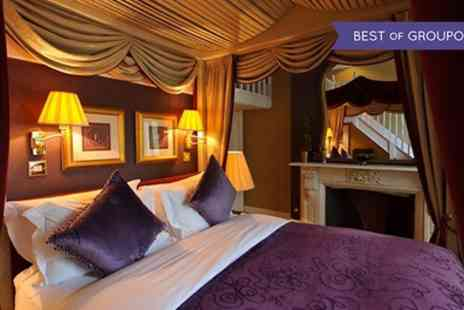The Colonnade Hotel - One Night Stay For 2 With Breakfast; With Option For Tea, Dinner, Wine, Prosecco, Roses - Save 49%