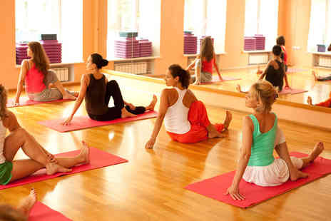 GFFdamian Dance Studio - Five yoga lessons - Save 57%