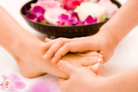The Reflexology Space - 75 minute foot reflexology session - Save 61%