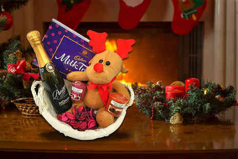 IQGB - Luxury Christmas hamper for her including a bottle of Prosecco, two Yankee candles, Cadburys milk tray and more - Save 62%