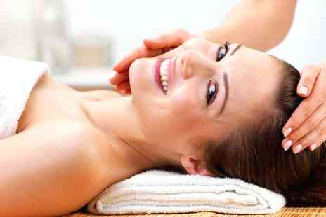 La Vie Spa - Facial and Indian Head Massage - Save 73%