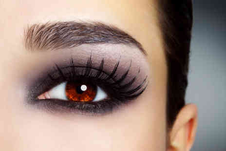 Sante Spa - Full set of individual eyelash extensions - Save 51%