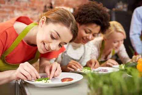 Activity Superstore - Hands on cookery lesson - Save 45%