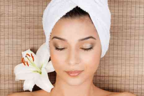 Beaut Box - Express, Revitalising or Bespoke Facial - Save 0%