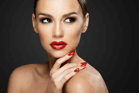 Association of Professional Makeup - Three hour beginners MAC makeup masterclass and a goody bag - Save 71%