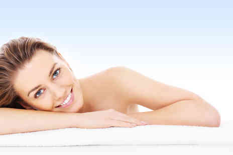 The Skin Clinic - Four sessions of thread vein removal treatment on two small or one large area - Save 80%