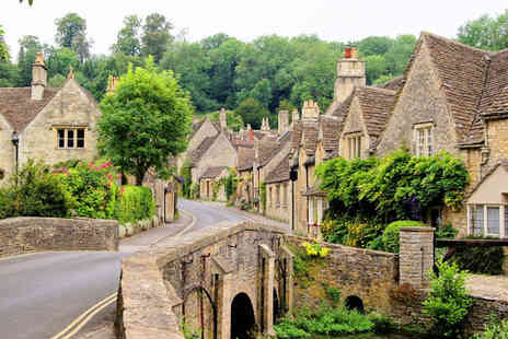 Anderson Tours - Childs ticket to the Cotswolds including return coach travel - Save 25%