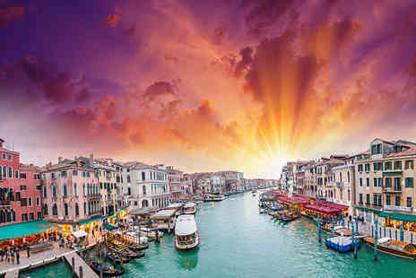 Refresh Holidays - Four or six night Italy trip to Venice and Milan including breakfast, internal trains and flights - Save 32%