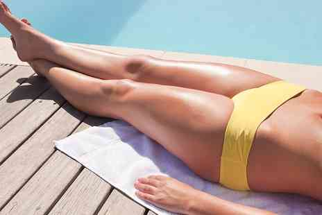 BeauBronz - 3D Body Contouring Spray Tan with Optional Bottle of Soft Sun Booster  - Save 0%