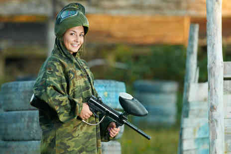 Blind Fire Paintball - Paintball session for 10 with a tasty lunch and 100 paintballs each - Save 90%