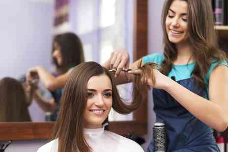 Prinnys Makeover Factory - Wash, Cut, Blow Dry and Conditioning Treatment - Save 0%
