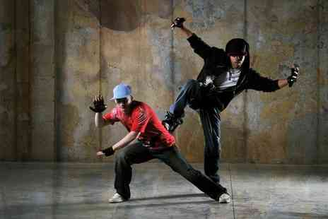 SMART Majority - Street dance and hip hop or street dance and new school course - Save 0%