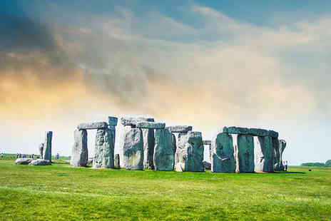 Let's Travel Services - Child ticket for a Bath and Stonehenge coach trip - Save 50%