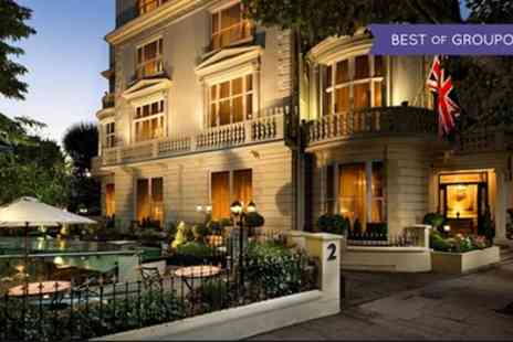 The Colonnade Hotel - One Night Stay for Two with Breakfast, Welcome Drink and Option for Dinner and Wine - Save 0%