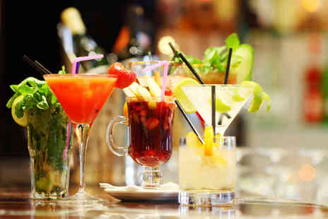 Dice Bar - Four cocktails between two people - Save 57%