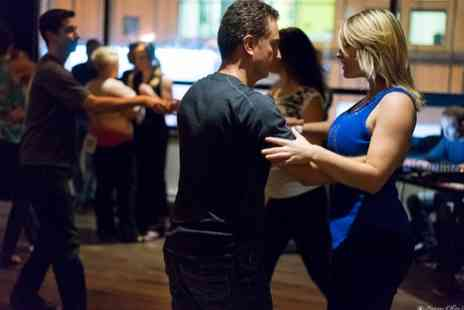 LinzDance - Six, two hour long swing dance classes - Save 53%