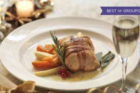 Doubletree Hilton - One Course Sunday Lunch with Choice of Drinks for Two - Save 40%