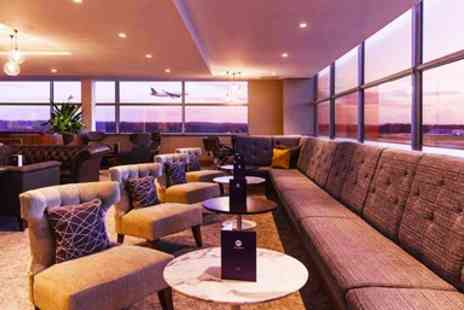 No1 Lounges - London Airport Lounges Entry with Food & Bubbly - Save 38%