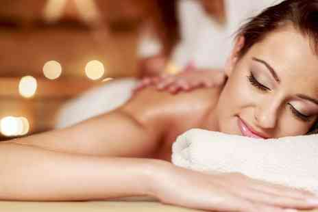 New Age London - Luxury 30 minute back massage - Save 60%