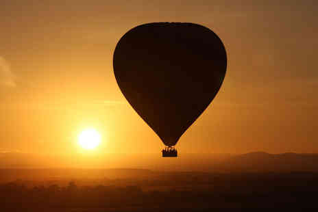 Cotswold Balloon Safaris - Champagne hot air balloon flight for two people - Save 35%