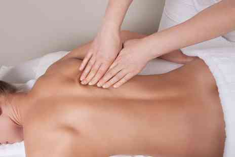 Elite Physio And Therapy - 30 minute sports massage - Save 27%