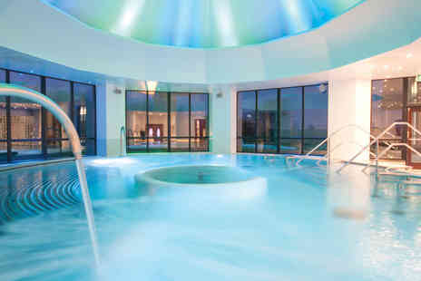 Champneys - Deluxe spa day for one person with your choice of 25 minute treatment, plus breakfast and refreshments - Save 44%