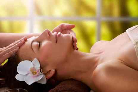 new york glamour - Head massage, eyebrow shape & collagen facial package - Save 0%