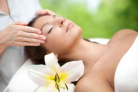 Liberi Therapies - 60 minute pamper package including consultation, Indian head massage and reiki - Save 75%