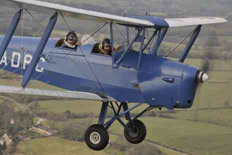 Vintage Flying - 45 minute tiger moth vintage flying experience - Save 55%