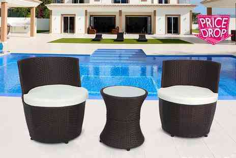 EveMotion GmbH - Three piece vase torpedo rattan set select from three colours - Save 71%