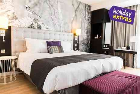 Holiday Extras - Up to 25% off hotels at the biggest airports - Save 0%