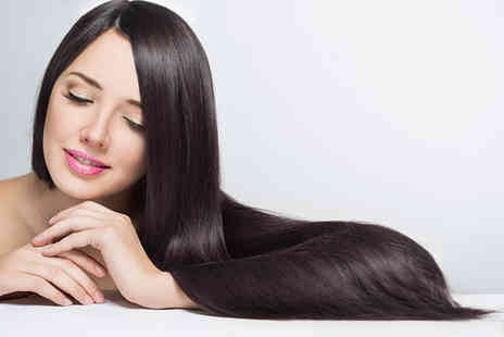 Beauty on the Spot - Wash, cut and blow dry with a senior director - Save 50%