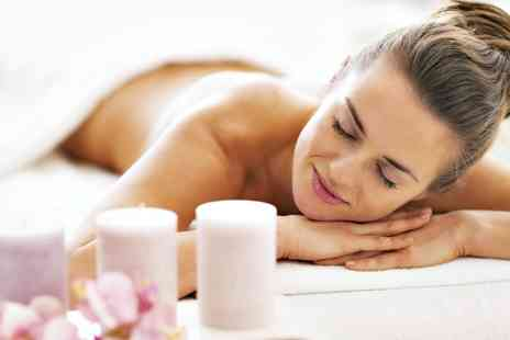 Inner Beauty - 40 Minute Aromatherapy Experience with Massage and Body Brush - Save 48%