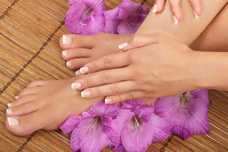 Naturalaser - Three sessions of laser fungal nail treatment on up to ten nails - Save 86%