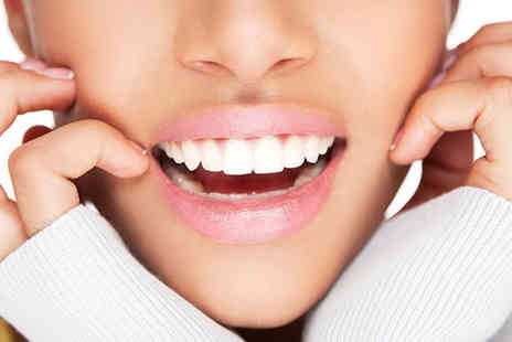 London Body Centre - One session of LED teeth whitening for one or two - Save 80%