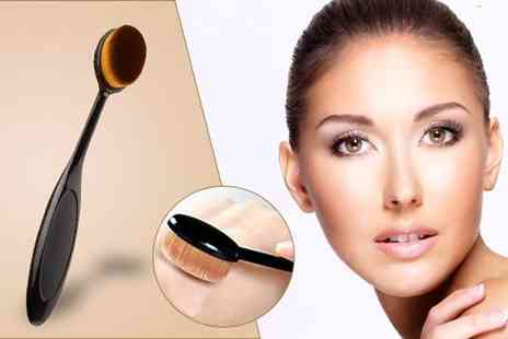 Alvis Fashion - Oval curve foundation brush - Save 85%
