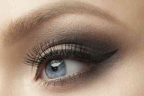 Vamp Beauty - Individual Semi Permanent Eyelash Extensions - Save 55%