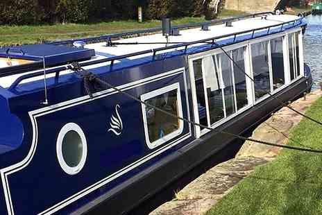 Blue Swan Boat Hire - Christmas Canal Cruise with Mince Pies and Afternoon Tea for One, Two or Four - Save 62%