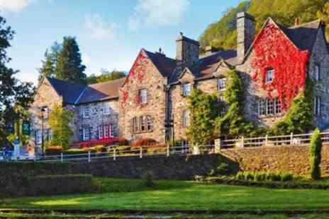 Royal Oak Hotel - Overnight Snowdonia stay with meals - Save 39%