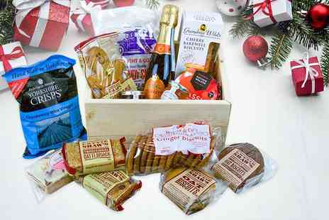 Black Cat Hampers & Gifts - Local produce Christmas hamper get gingerbread men, Prosecco and more - Save 50%