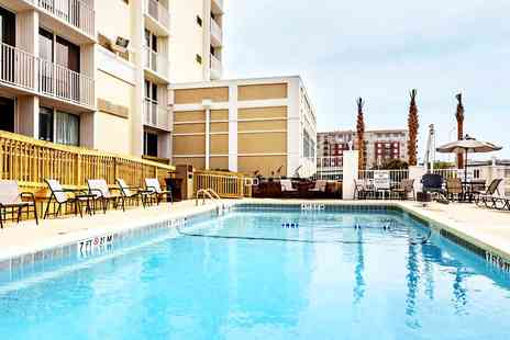 Holiday Inn - Convenient Charleston Hotel Stay - Save 0%
