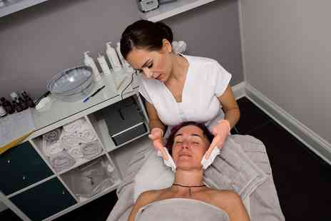 Deluxe Clinic - IPL Skin Rejuvenation Facial or Back Treatment - Save 71%