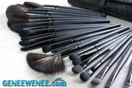 Geneewenee - 32 piece natural hair make-up brush set with leather-effect bag - Save 73%