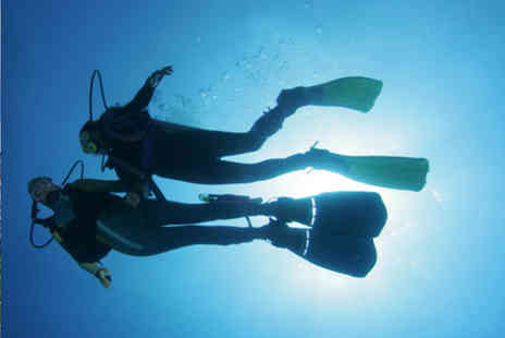 Club Sub - 90 minute discovery scuba experience - Save 64%