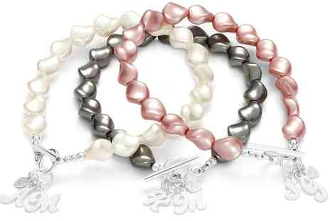 Jewells House - One, Two or Three Personalised Pearls and Letters Bracelets with Crystal Pearls from Swarovski With Free Delivery - Save 73%